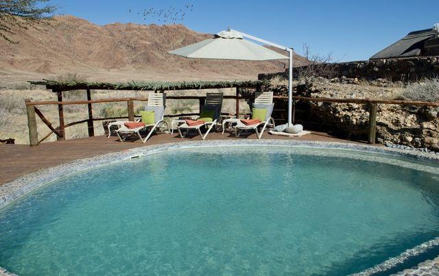 Rondreis Namibie Hoodia desert lodge zwembad