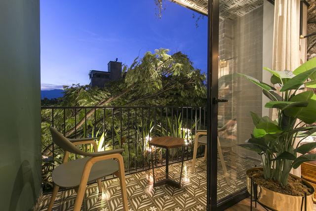 Rondreis Colombia Antioquia Medellin Casa Celestino boutique kamer met balkon