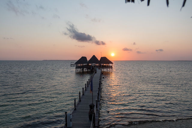 Rondreis Tanzania Reef and Beach Resort Zanzibar pier