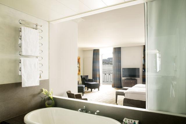 Palace Hotel Luzern badkamer
