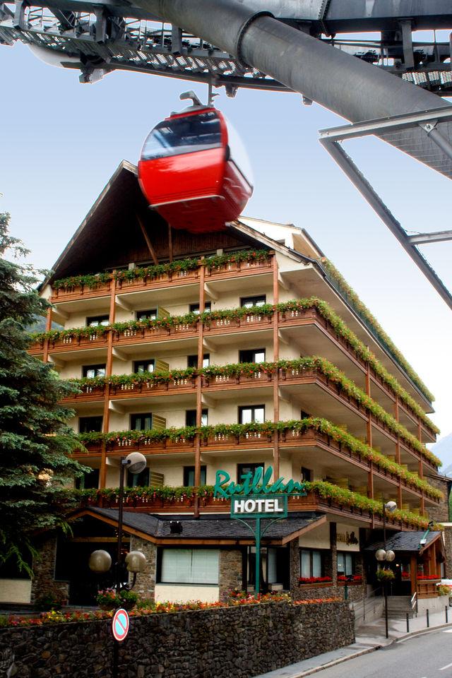 Rondreis door Spaanse en Franse Pyreneeen, fly-drive of eigen auto
