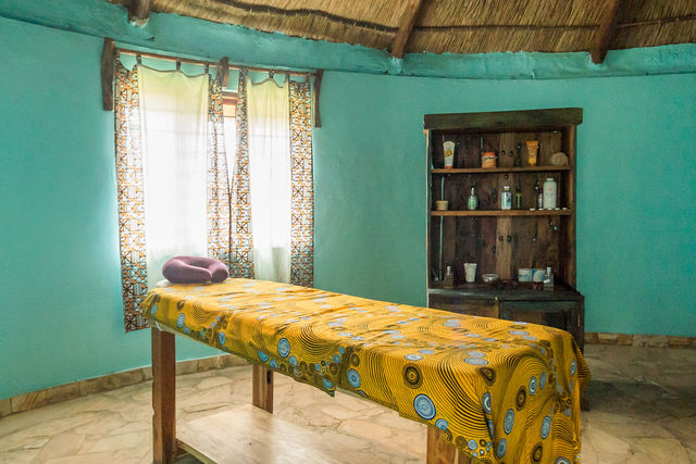 Rondreis Tanzania Lake Manyara massage